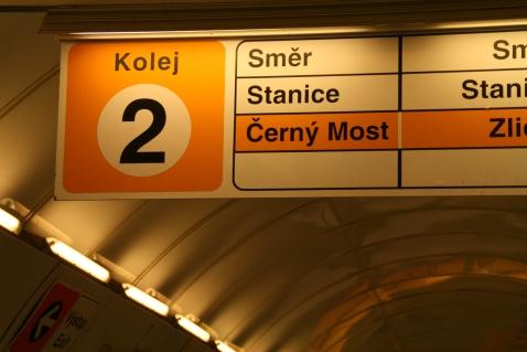 Metro Richtung -schwer zu erkennen- Cerný Most.